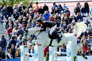 Bruce Goodin NZL auf Centina bei der Pferd International